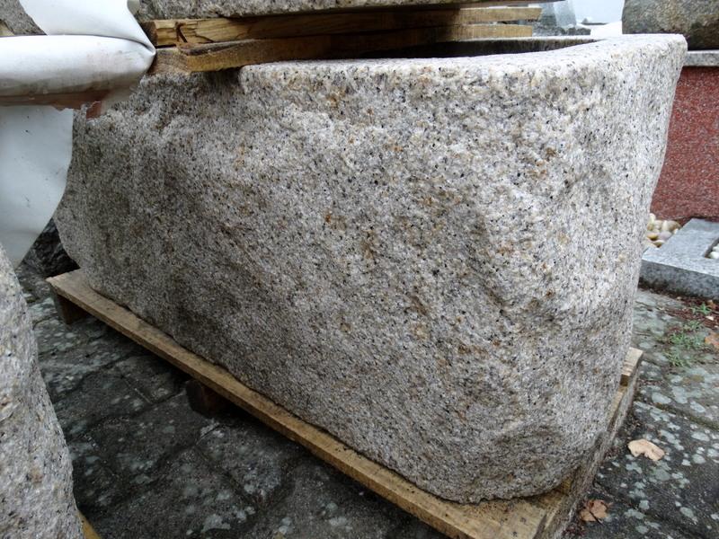 Pflanztrog Granit Gelb Bossiert 100